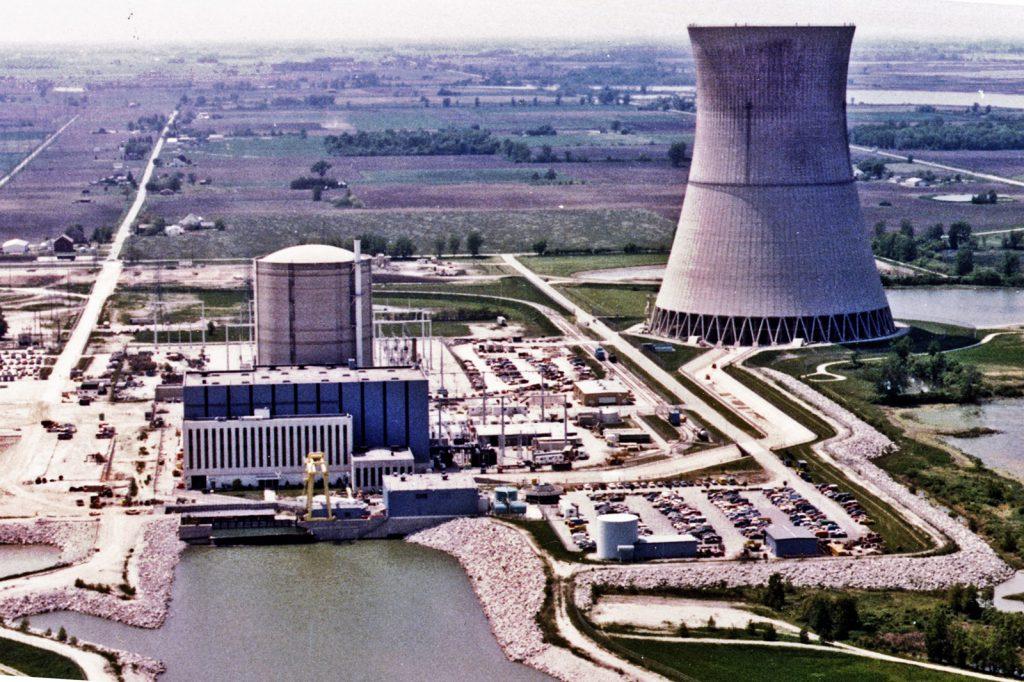jaderná energie - Společnost FirstEnergy podniká neochotný krok k uzavření tří jaderných elektráren - Back-end (David Besse NPP) 1