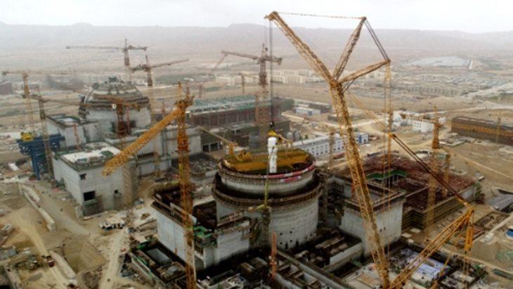 jaderná energie - Na třetím bloku JE Karáčí proběhla instalace prvního parogenerátoru - Nové bloky ve světě (Karachi 3 steam generator plant construction Pakistan CNNC) 1