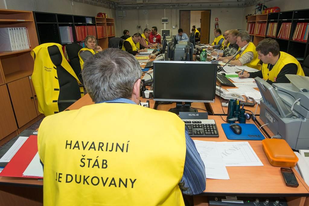 jaderná energie - V Dukovanech začíná dvoudenní havarijní cvičení s ukrytím lidí - V Česku (S13 2278 1024) 3