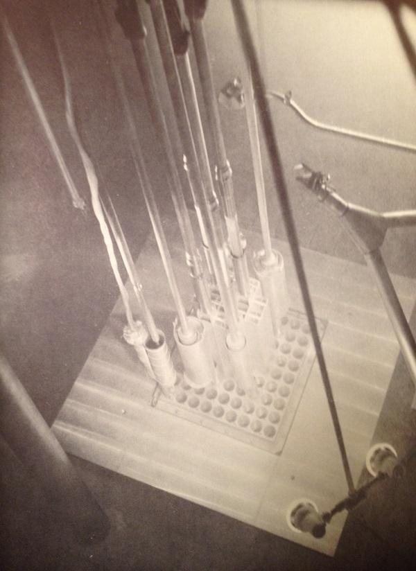 jaderná energie - Bazénové reaktory – úvod - Ve světě (Sylcor elements in Chalk River Pool Test Reactor) 5