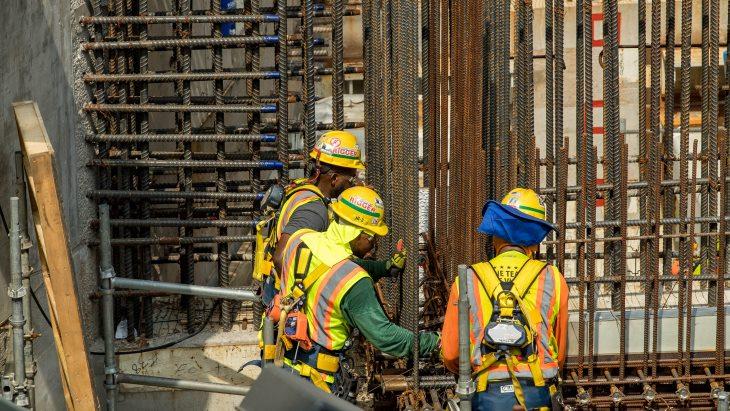 jaderná energie - Hlasování společnosti Oglethorpe o budoucnosti JE Vogtle - Nové bloky ve světě (Vogtle workers USA July 2018 Georgia Power) 1