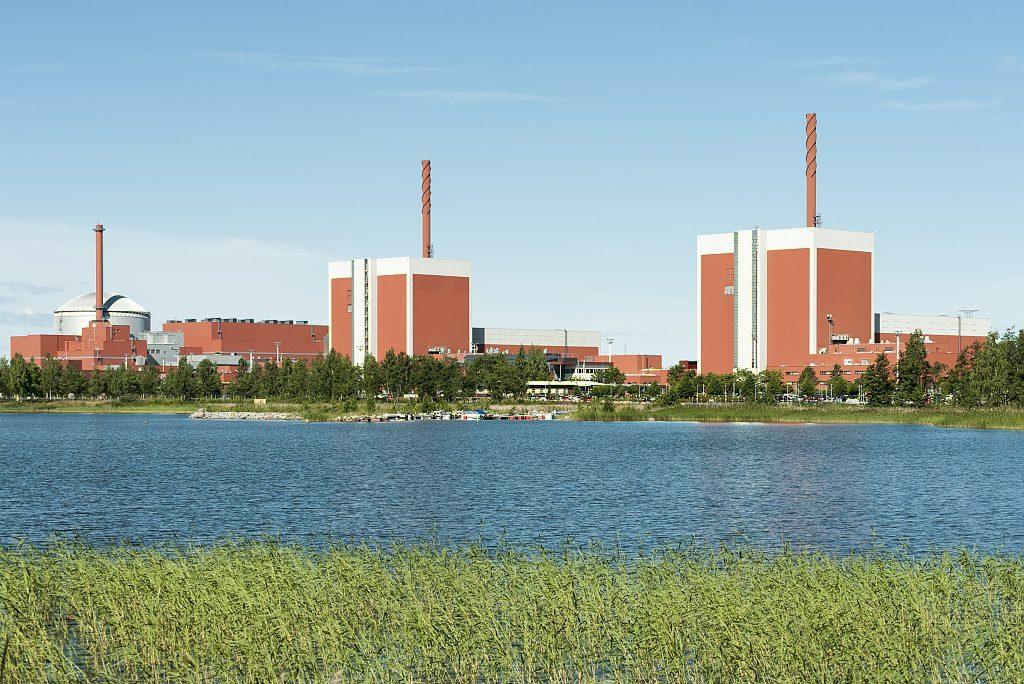 jaderná energie - Finsko schválilo prodloužení provozu bloků Olkiluoto 1 a 2 - Ve světě (2015 07 21 006  TVO 1024) 1