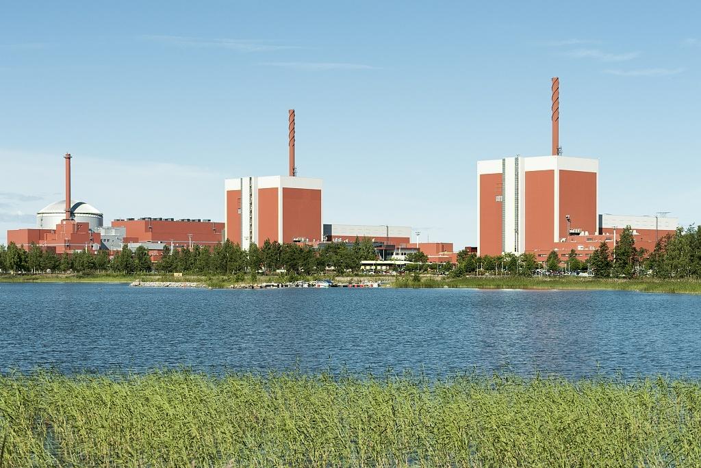 jaderná energie - Finsko schválilo prodloužení provozu bloků Olkiluoto 1 a 2 - Ve světě (2015 07 21 006 TVO 1024) 2