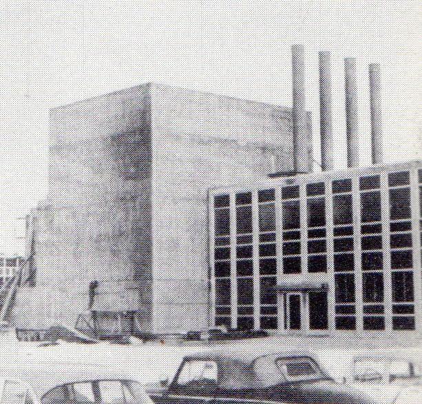 jaderná energie - Bazénové reaktory – budovy a jejich vybavení - Fotografie (Build 12 Ford Reactor Nears Completion) 9