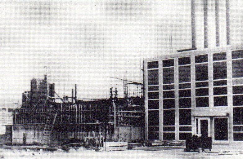 jaderná energie - Bazénové reaktory – budovy a jejich vybavení - Fotografie (Build 2 Reactor Building) 2