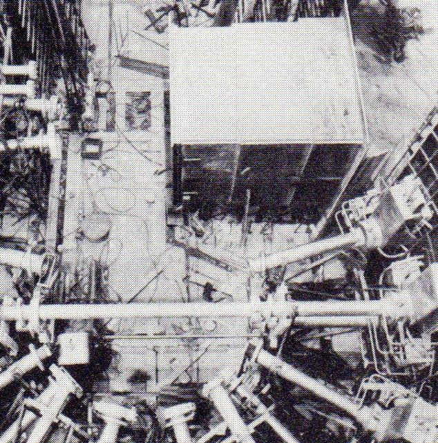 jaderná energie - Bazénové reaktory – budovy a jejich vybavení - Fotografie (Build 4 Tubes and Thermal Column) 3