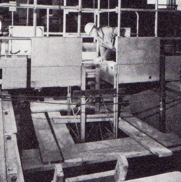 jaderná energie - Bazénové reaktory – budovy a jejich vybavení - Fotografie (Build 7 Bridge Crane) 4