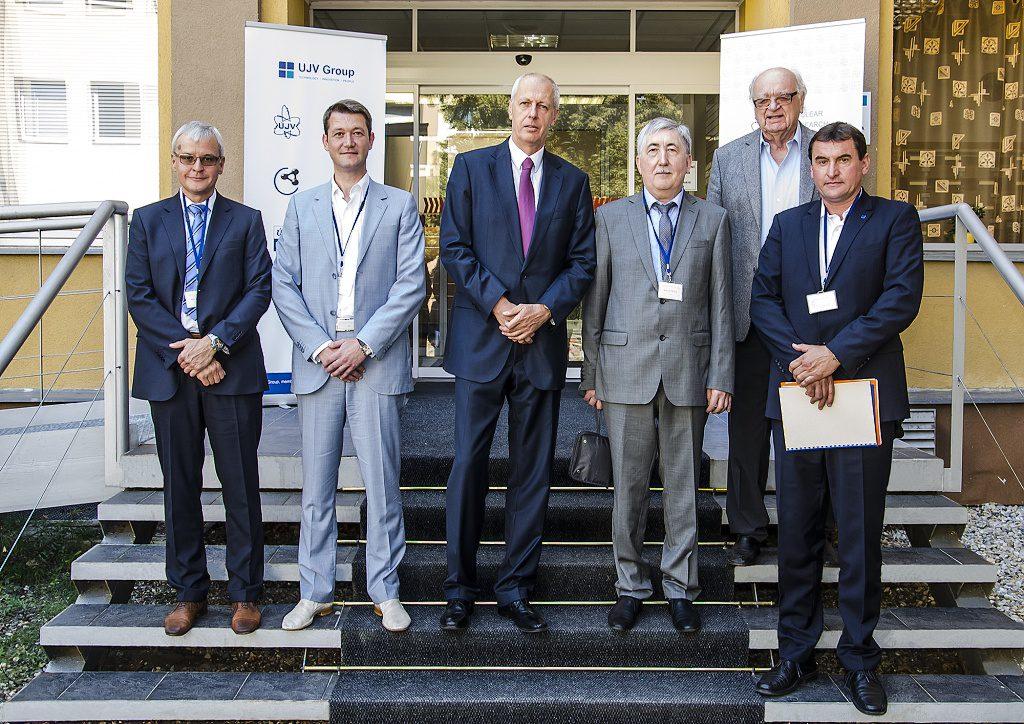 jaderná energie - Odborníci z ruského VNIIAES, a.s., rozvíjejí spolupráci sČeskou republikou - V Česku (REZ 6048 final 1024) 1