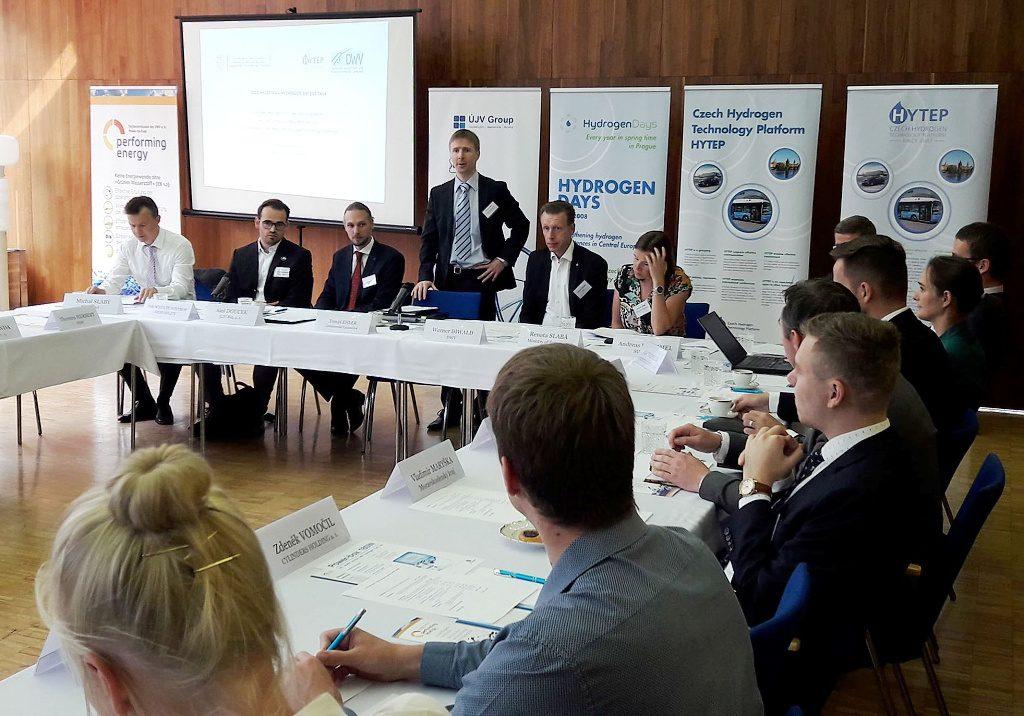 jaderná energie - Česko-německá spolupráce ve vodíku - Věda a jádro (UJVREZ Berlin vodik foto 02 1024) 1