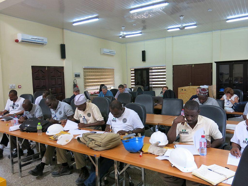 jaderná energie - Specialisté z Řeže školili v Africe - Ve světě (UJVREZ Ghana 01 1024) 2