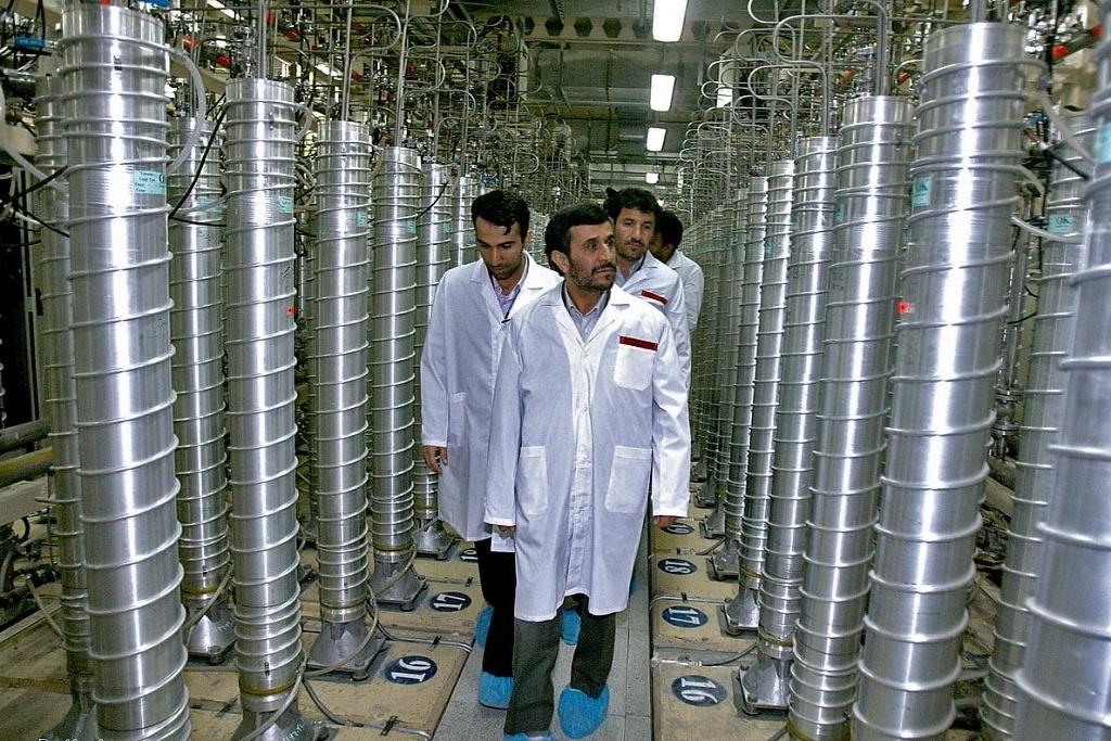 Írán má podle šéfa parlamentu aktivních 3000 až 4000 centrifug
