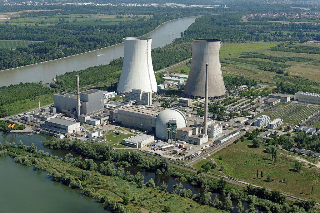 jaderná energie - Některé evropské státy zjišťují, že vyhlásit odklon od jaderné energie je mnohem snazší, než jej opravdu uskutečnit - Životní prostředí (Kernkraftwerk Philippsburg 300dpi ENBW 1024) 1