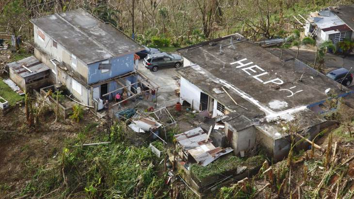 jaderná energie - Hurikánem zasažené Porto Rico zvažuje jadernou energetiku - Zprávy (Damaged property in Puerto Rico following Hurricane Maria in 2017 US CBP) 1