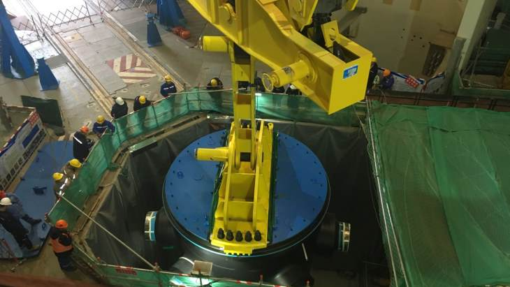 jaderná energie - Proběhlo umístění reaktorové nádoby na šestém bloku čínské jaderné elektrárny Chung-jen-che - Zprávy (Hongyanhe 6 RPV installation LHNP) 1