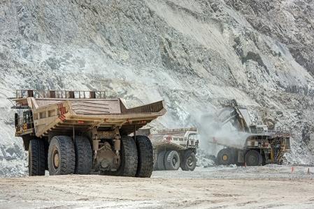 Honba po uranu pokračuje-jak Kazachstán, tak jiní producenti snižují jeho výrobu