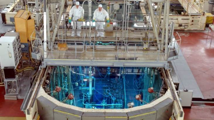 jaderná energie - Belgie recykluje zbytky z výroby izotopů - Zprávy (BR2 reactor bridge SCK CEN) 1