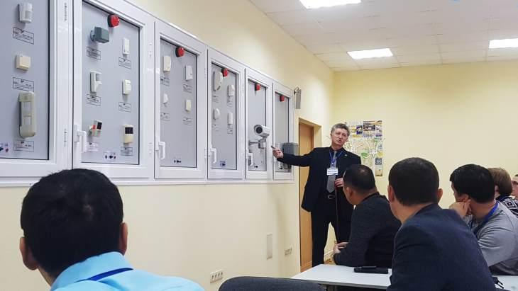 jaderná energie - MAAE vede nový kurz zabezpečení zdrojů ionizujícího záření - Zprávy (IAEA nuclear security guidance course A Rodriguez y Baena IAEA) 1