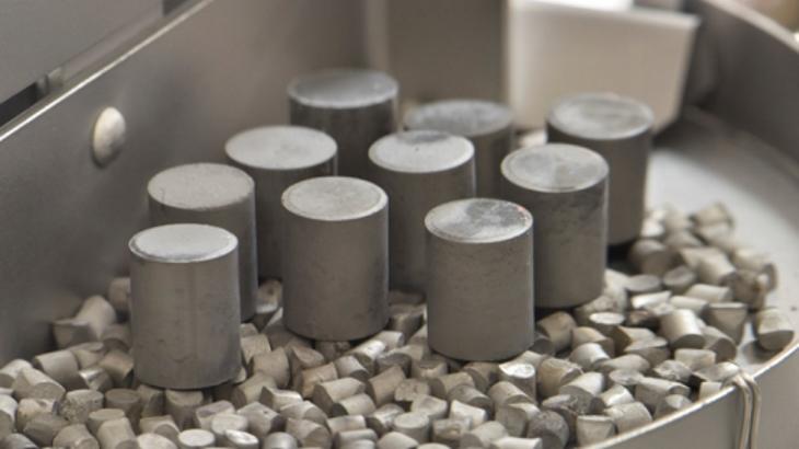 jaderná energie - DOE financuje pokročilé palivo ATF firmy Westinghouse - Zprávy (Silicide fuel pellets INL) 3