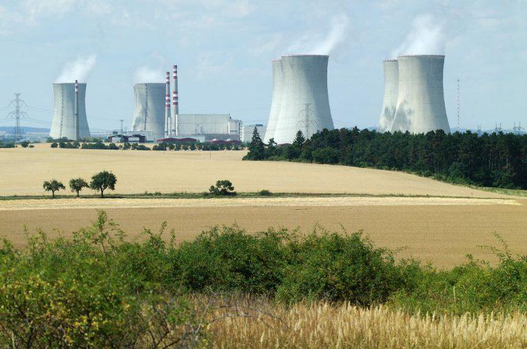 jaderná energie - Nováková: Nový jaderný zdroj by měl stavět ČEZ s garancí státu - Zprávy (04 dukovany 2) 1
