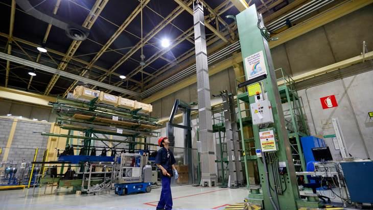 jaderná energie - GNF a Enusa prodloužily společný podnik zaměřený na jaderné palivo - Zprávy (Fuel inspection at Juzbado facility Enusa) 1