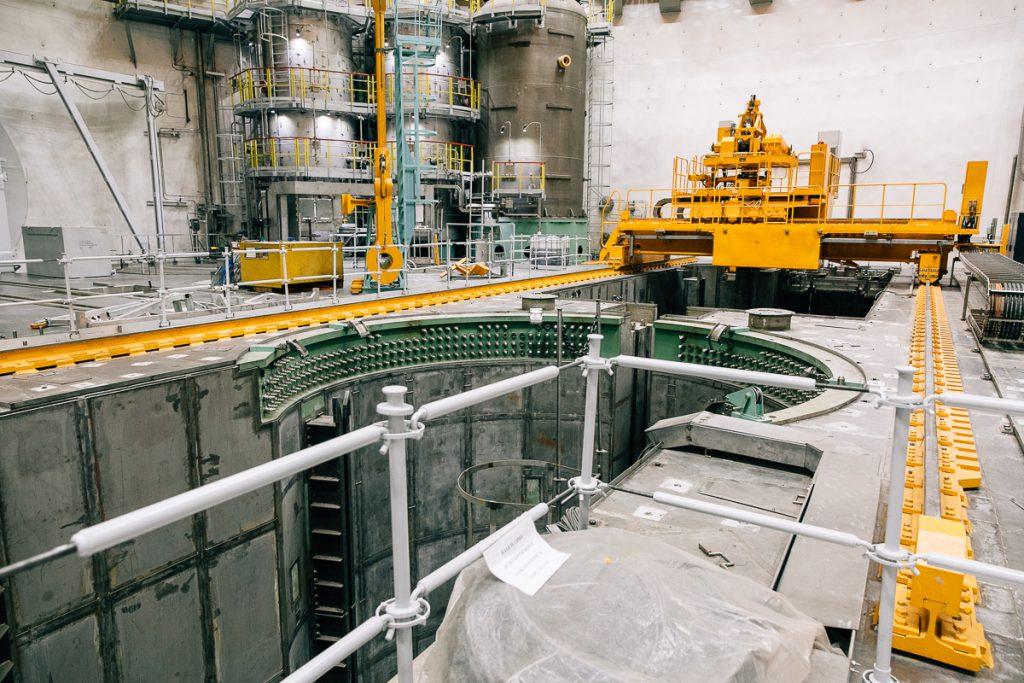 jaderná energie - V Novovoroněžské JE-II začalo tlouct srdce 3. bloku generace III+ v Rusku - Zprávy (Reaktorový sál 2. bloku Novovoroněžské JE II během přípravy k fyzikálnímu spouštění) 1