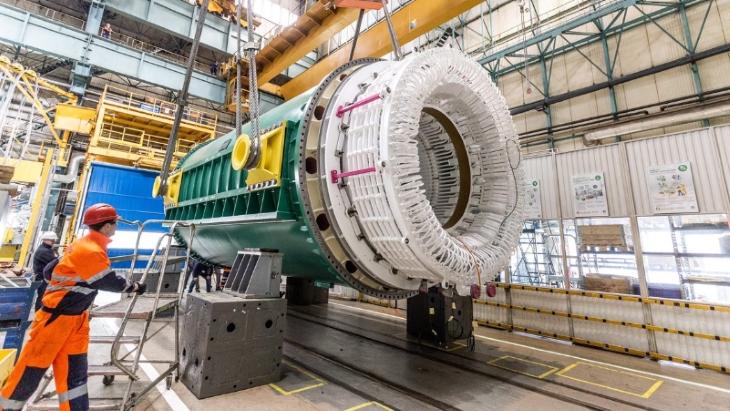 jaderná energie - Kanadský jaderný program přináší ekonomické výhody - Zprávy (Darlington refurb stator GE Poland OPG) 1