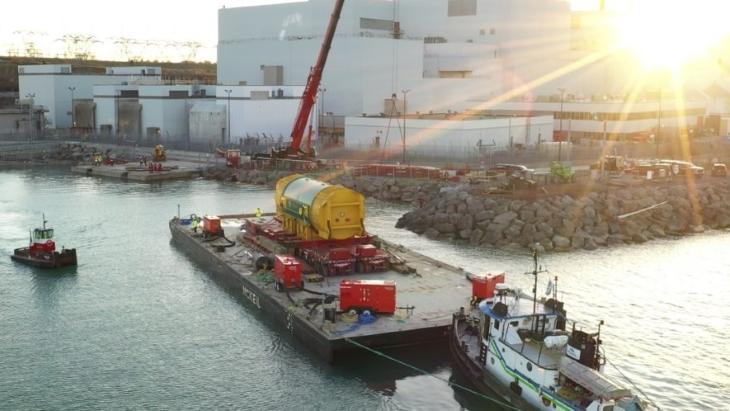 jaderná energie - Stator jaderné elektrárny Darlington dokončil cestu z Polska - Zprávy (Darlington stator May 2019 OPG) 1