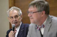 Lidovky: České firmy by se měly podílet na budování dalších bloků jaderné elektrárny Paks, lobboval Zeman