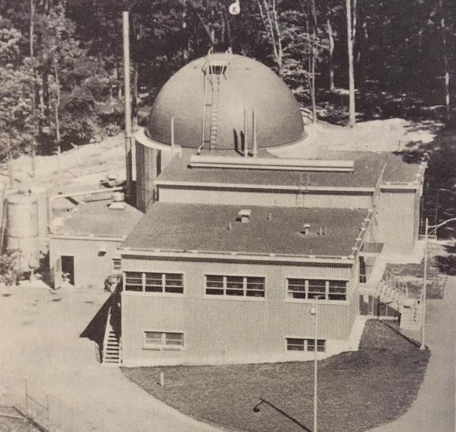 jaderná energie - Historická vojenská jaderná elektrárna SM-1 - Fotografie (SM1 external view) 1