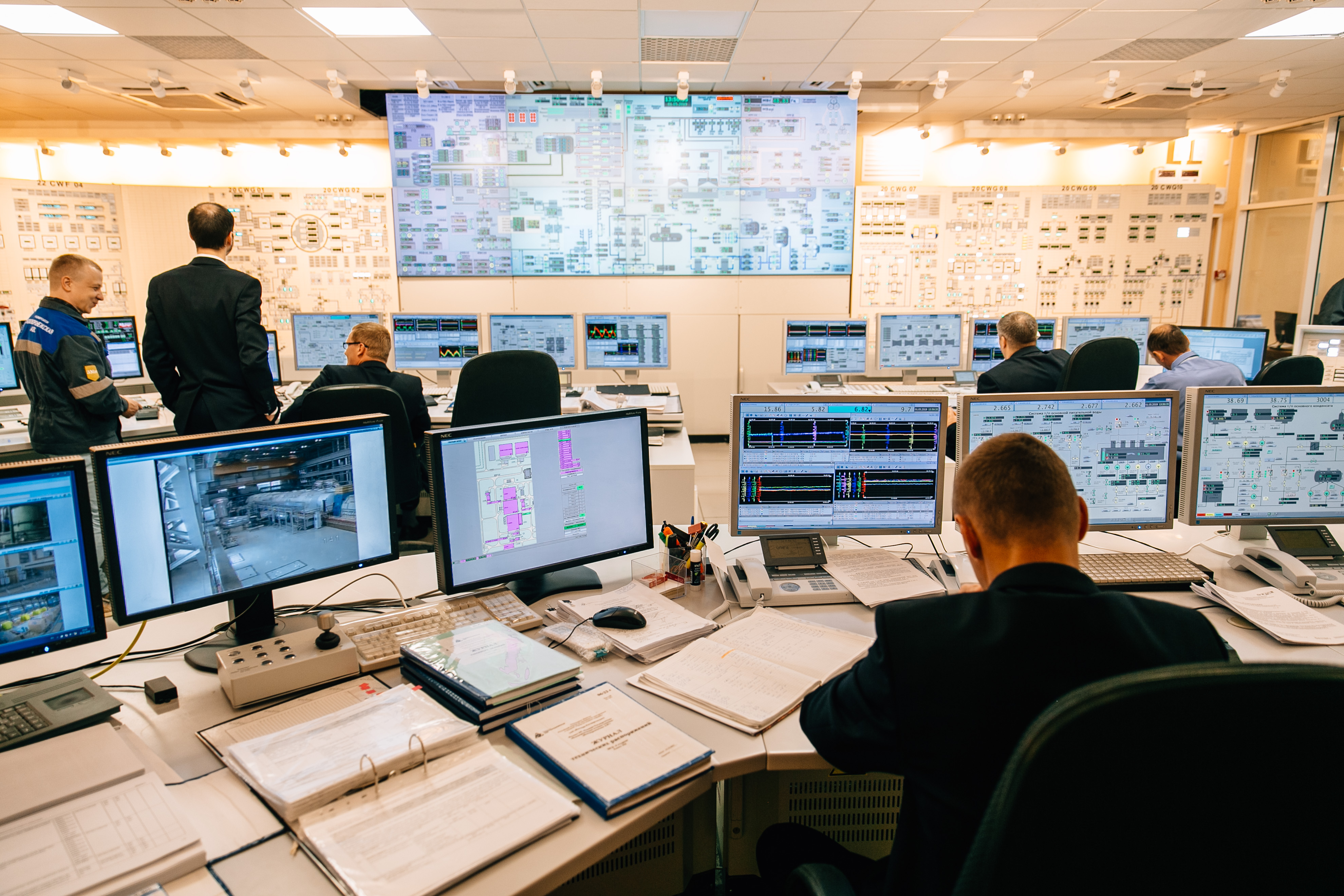 jaderná energie - Novovoroněžská JE-II: Další blok generace III+ dodává elektřinu do sítě - Zprávy (Velín druhého bloku jaderné elektrárny Novovoroněžská II) 3