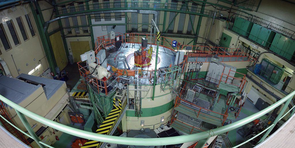 jaderná energie - V Řeži se vzpomínalo na nestora československých jaderných oborů Čestmíra Šimáněho - Věda a jádro (foto reaktor left 001 spherical vyrez 01 1024) 6