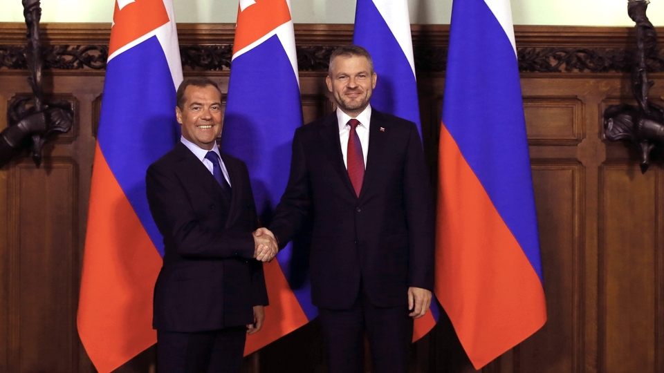 jaderná energie - Slovensko a Rusko posilují spolupráci v oblasti jádra - Zprávy (Slovenský premiér Peter Pellegrini a jeho ruský protějšek Dmitrij Medveděv Zdroj premier.gov .ru) 1
