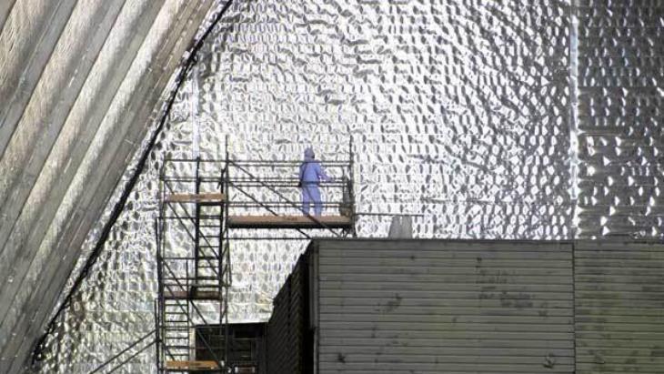 Černobylský stínící kontejner byl úspěšně uveden do provozu