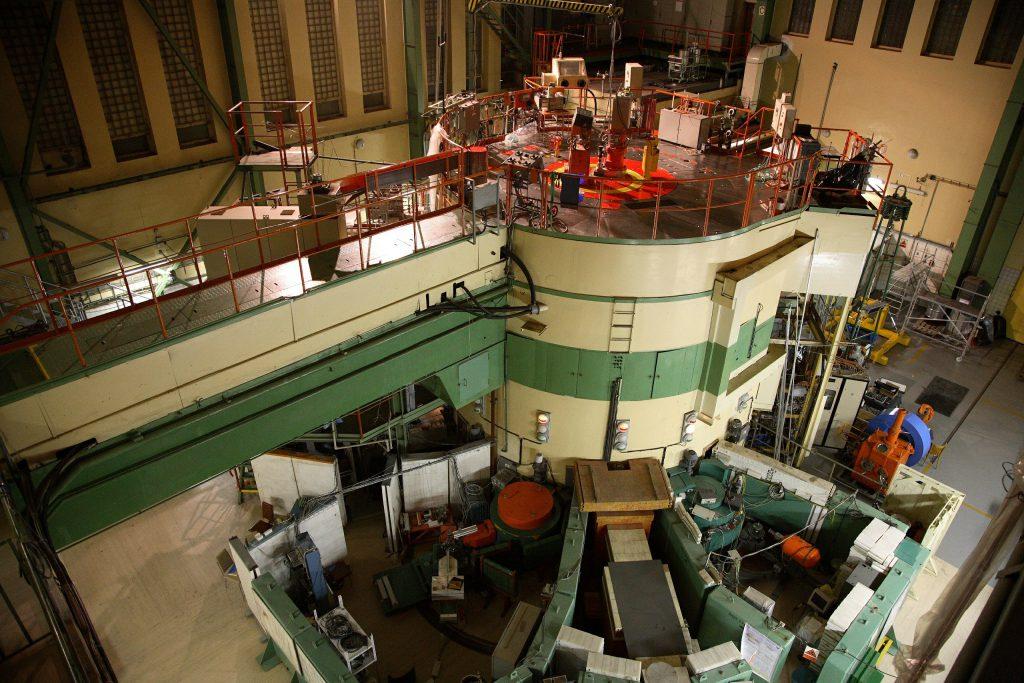 jaderná energie - Rosatom bude v Česku zkoumat materiály ruského jaderného paliva - Zprávy (Reaktor LVR 15 jeden z jaderných reaktorů provozovaných CVŘ. Zdroj CVŘ 1) 1