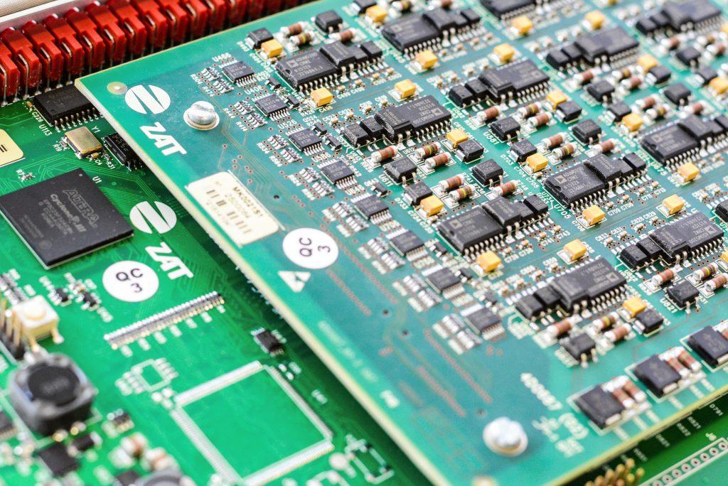 jaderná energie - Kybernetická bezpečnost řídicích a informačních systémů v základních službách - Zprávy (ZAT 3 SandRA klasická energetika) 3