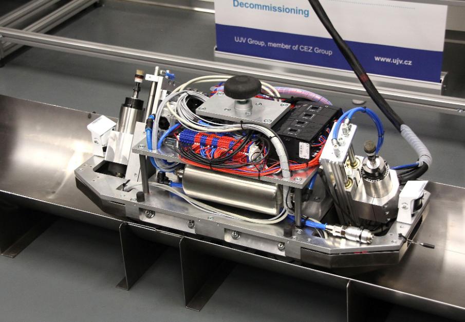 jaderná energie - T-UNI: Robot pro dekontaminaci jaderných reaktorů - Zprávy (robot) 1