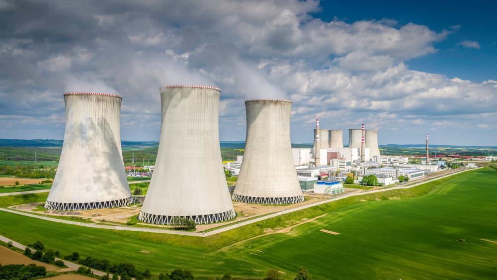 jaderná energie - iRozhlas.cz: Souhlas s dostavbou Dukovan. Nové jaderné bloky mají kladný posudek vlivu na životní prostředí - Zprávy (jaderna elektrarna d 171230 120652 haf) 1