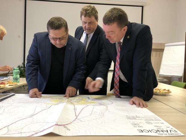 energetické Třebíčsko: Jednání o obchvatu Ivančic a Jamolic