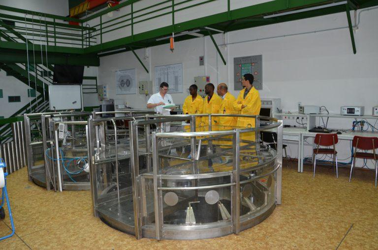 jaderná energie - SCIENCEmag.cz: Reaktory na FJFI: VR-1 Vrabec má 30 let - Zprávy (DSC 0021 1024) 1