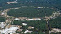 Národní laboratoř Brookhaven byla vybrána k výstavbě nového urychlovače v USA