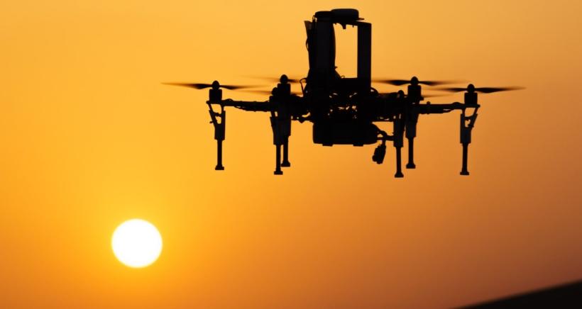 jaderná energie - czechcrunch.cz: Létající dozimetr. ČVUT a český Advacam staví dron, který přinese až stonásobně efektivnější detekci radiace - Zprávy (uav v pousti min) 1