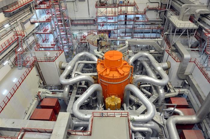 jaderná energie - Od roku 2022 poběží první ruský jaderný reaktor ze 100 % na recyklované palivo - Back-end (Reaktorový sál s reaktorem BN 800) 1