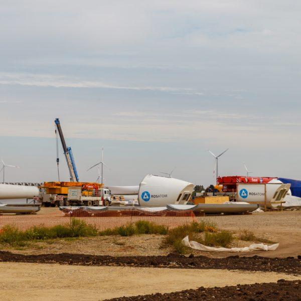 Rosatom začal stavět další větrnou elektrárnu, Karmalinovská elektrárna bude mít výkon 60 MW