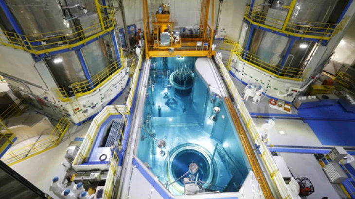 jaderná energie - Na pátém bloku jaderné elektrárny Tchien-wan bylo dokončeno zavážení paliva - Zprávy (Tianwan 5 fuel loading July 2020 CNNC) 2