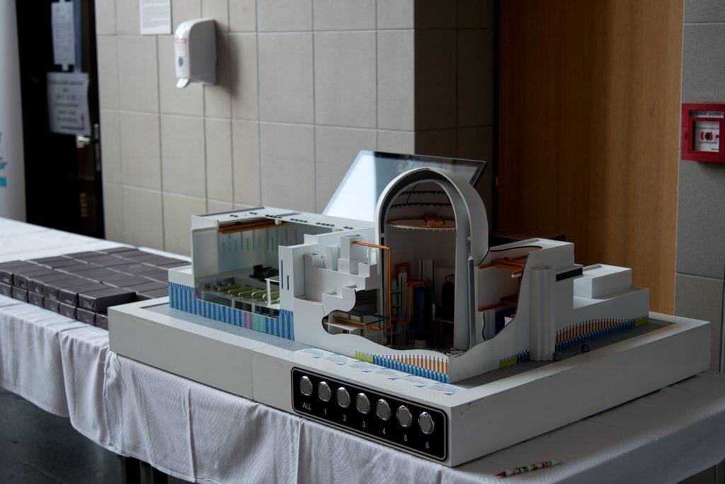 jaderná energie - Jaderné dny 2020: Krátce před očekávaným vyhlášením tendru se mění nabízené projekty - Nové bloky v ČR (DSC 8565) 5
