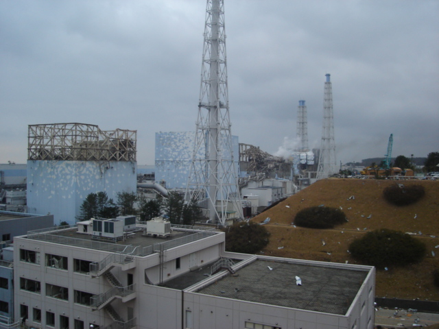 jaderná energie - TENEX udělá novou koncepční studii pro JE Fukušima Dajiči - Back-end (Zničené bloky JE Fukušima Dajiči Zdroj TEPCO) 1