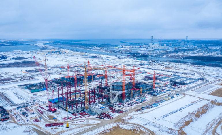 jaderná energie - Pandemie neměla vliv na výstavbu nových bloků Rosatomu - Nové bloky ve světě (Letecky pohled z roku 2020 na dva bloky JE Kurska II ktere rostou v sousedstvi stavajicich bloku RBMK) 3