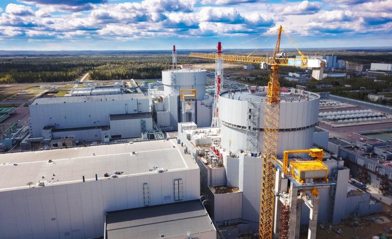 jaderná energie - Rostechnadzor prověřuje připravenost 6. bloku Leningradské JE ke komerčnímu provozu - Nové bloky ve světě (Paty a sesty blok Leningradske jaderne elektrarny s reaktory VVER 1200 1) 1