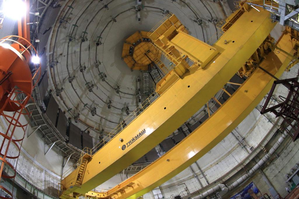 jaderná energie - Fotogalerie ze zavážení imitátorů paliva do 2. bloku Běloruské JE - Nové bloky ve světě (2 03) 2