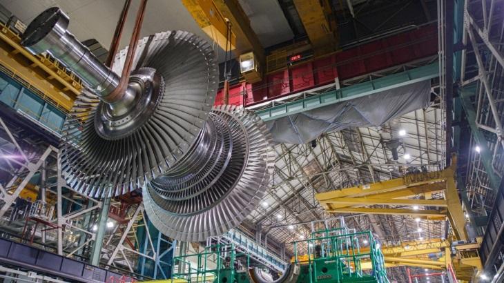 jaderná energie - GE Steam Power odhalila lopatku pro turbínu Arabelle, největší turbínovou lopatku na světě - Ve světě (Arabelle turbine) 1